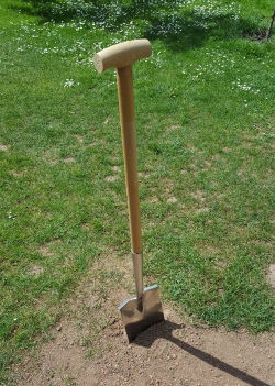 Rasen neu anlegen: Umgraben